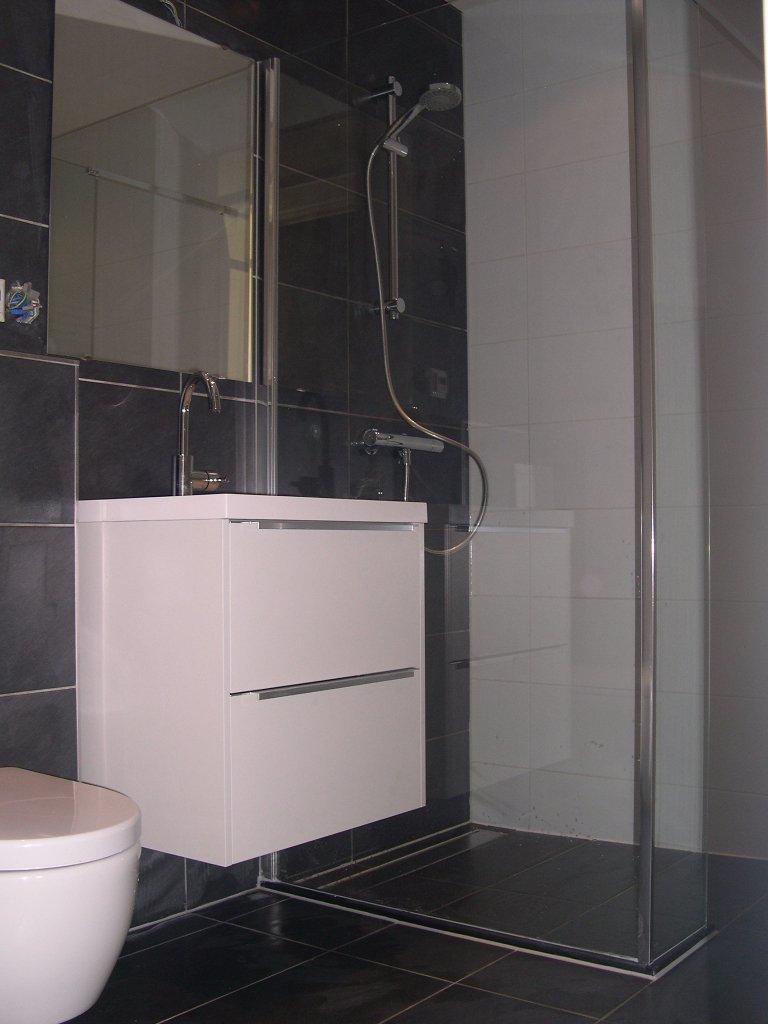 Badkamer zaanstreek badkamer ontwerp idee n voor uw huis samen met meubels die het - Kleine ruimte ontwikkeling m ...
